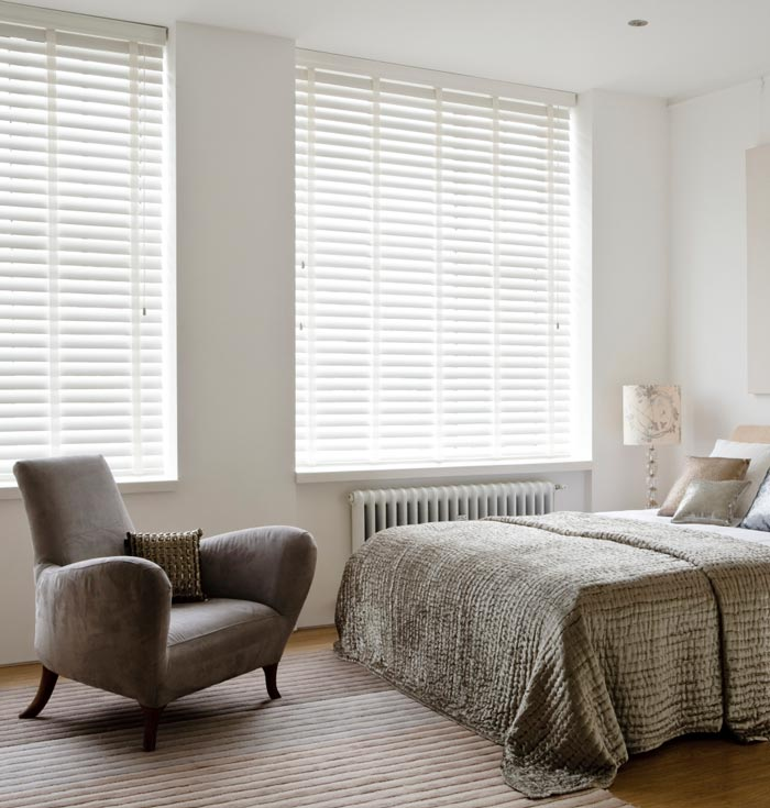 White Wooden Venetian Blinds With Tapes White Wooden